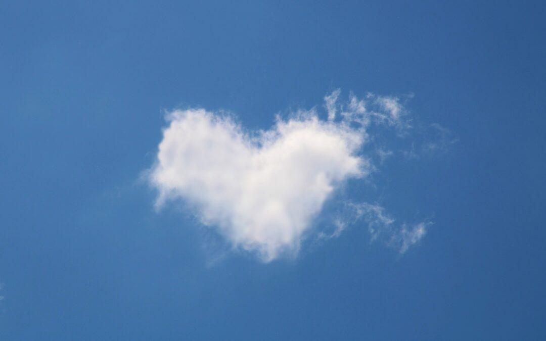 Sydämenmuotoinen pilvi